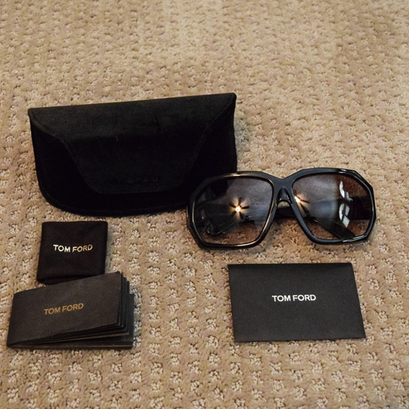 """Tom Ford Accessories - Tom Ford """"Elise"""" TF266 Sunglasses"""